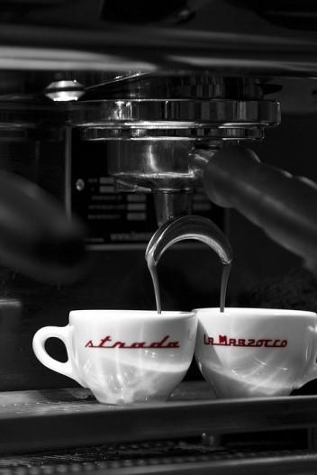 Macchine del caffe comandabili con un assistente vocale oggi possibile