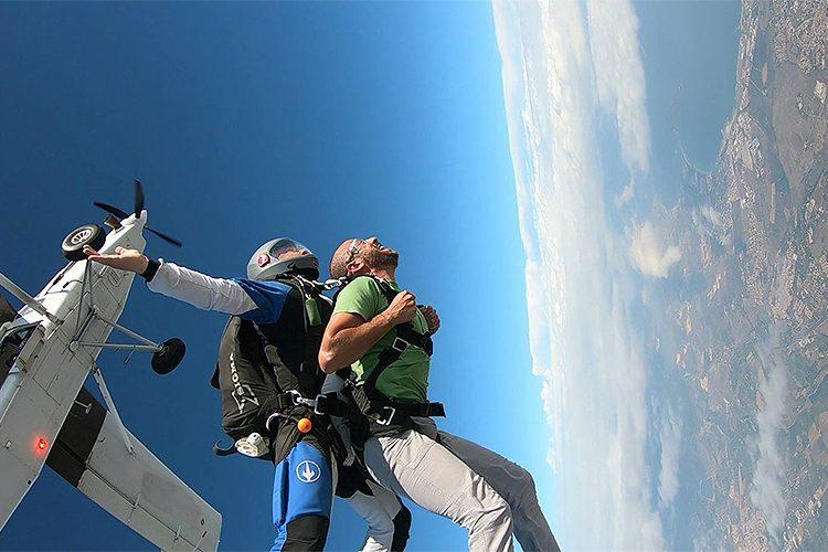 Lancio in paracadute tandem, un'attività per tutti