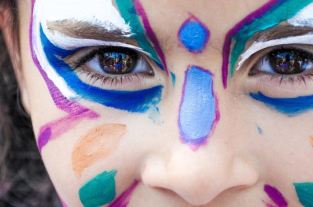 Cosmetici per bambini, quando il make-up è pericoloso